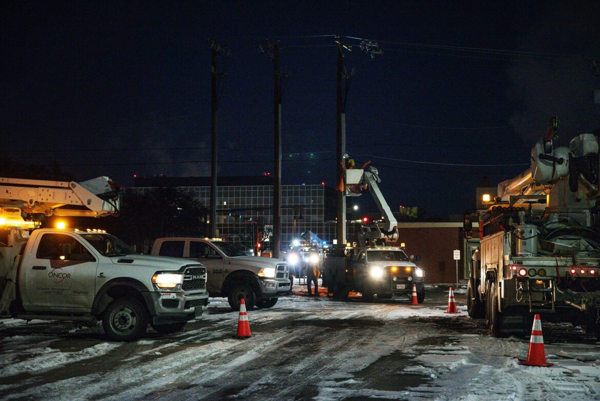 Power comes back for most in Texas, but other problems pile up